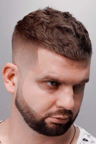 Sakal ile kombin halinde olan saç modelleri